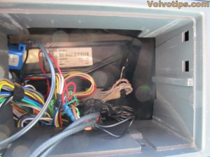 Volvo radio connectors cable harnesses V70 Parrot carkit